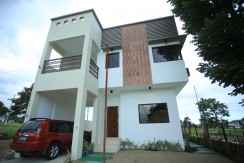 3BR H&L for sale in Morningfields, Calamba, w/view of Makili