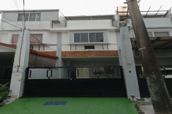 3 STOREY TOWN HOUSE FOR SALE